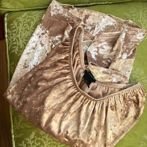New Directions Blush Pink Velvety Top M